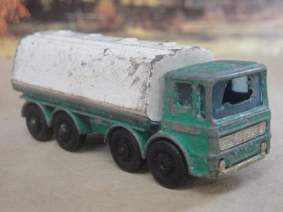 Escala 1/64 Matchbox Nº 32 Leyland Petrol Tanker