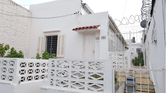 Casa De 2 Dormitorios Living Cocina Baño Jardín Patio