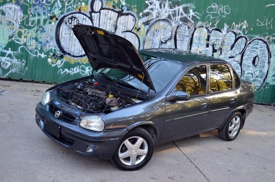 Chevrolet Corsa 1.6 Gls Full Full - Permuto Menor Valor
