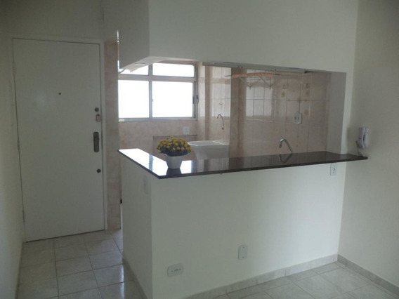 Kit Reformada, Com Sala E Dormitório, Rua Santo Amaro, Próximo Ao Metrô- Bela Vista. - Md527