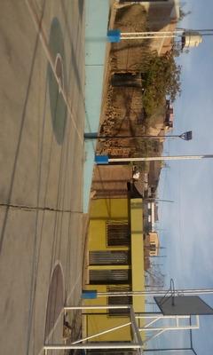 Casa De 3 Cuartos Y Una Cochera Ubicado En La Joya-arequipa
