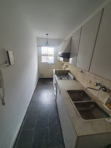 Imagen 1 de 12 de Departamento De Tres Dormitorios En Venta