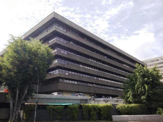 María José Fernandes 19-17779 Alquila Oficina Chuao