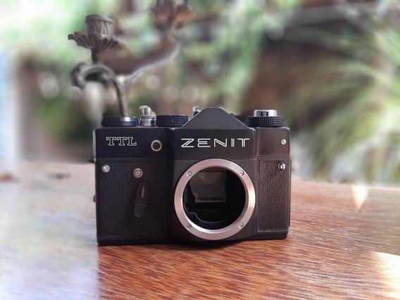 Câmera Antiga Zenit Ttl Arma E Dispara