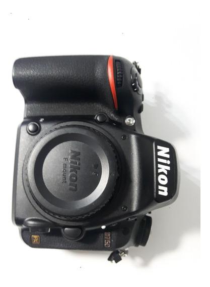 Câmera Nikon D750 Semi-nova (corpo)