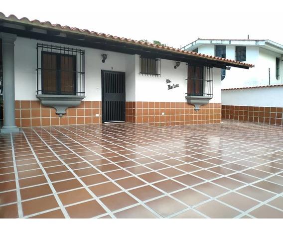 Casa En El Castaño, Las Delicias / Paola G 04144685758