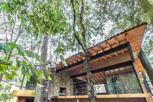 Hermosa Casa Integrada En La Naturaleza
