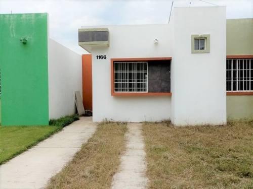 Casa En Venta En Bosques Del Sur, Colima
