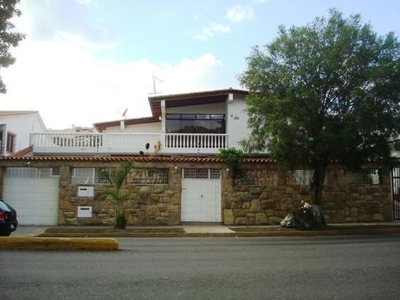 Casa En Venta En Clnas. De Vista Alegre Rent A House @tubieninmuebles Mls 20-5185