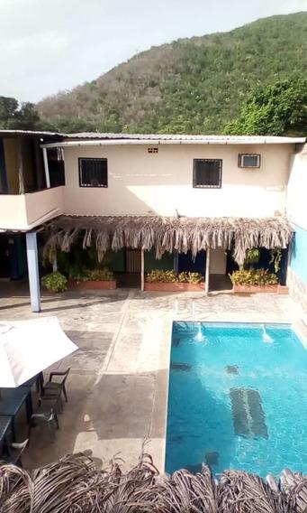 En Venta Linda Casa En Ocumare / Emerson Tovar 04264316134