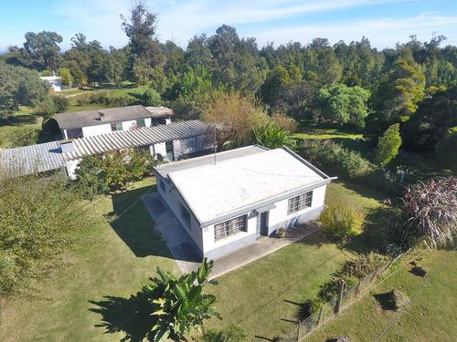 Casa En Esquina En B° Costa Azul, Canelones