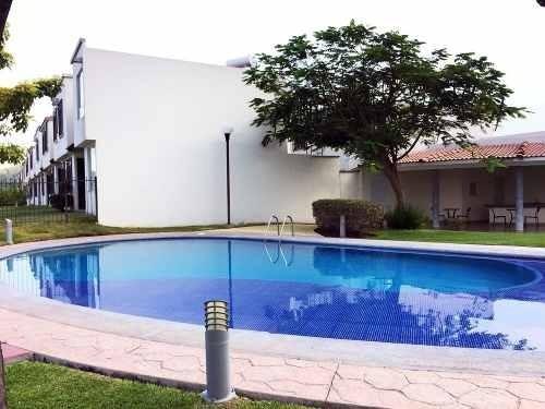 Casa Con Alberca Y 3 Recamaras En Real De Santa Fe