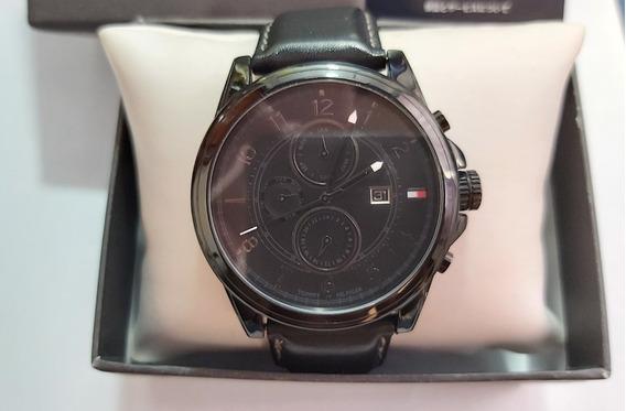 Relógio Da Tommy Hilfiger Preto Usado Com Pulseira De Couro