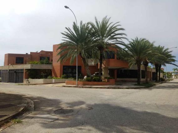 Quinta Duplex De Esquina
