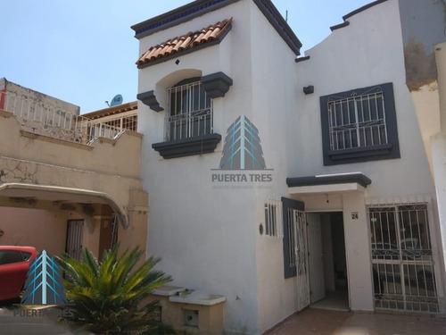 Casa Remodelada En Coto Cerrado, Dentro De Real Del Valle.