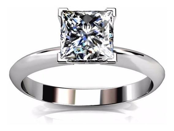 Anillo Con Diamante Princess De 2.50 Cts. En Oro De 18k.