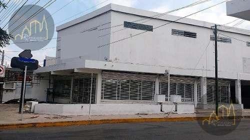 Local Comercial En Renta O Venta De Oportunidad, Ubicado En Esquina Avenida Itzaes Merida