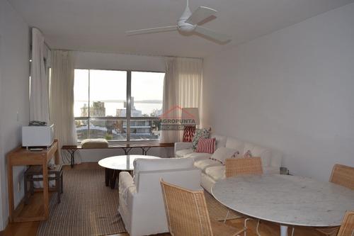 Apartamento En Peninsula, 2 Dormitorios *- Ref: 3013