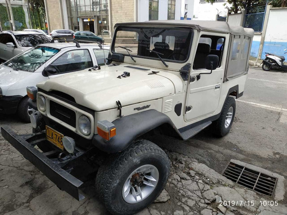 Toyota Fj43 Carpada En Buen Estado General