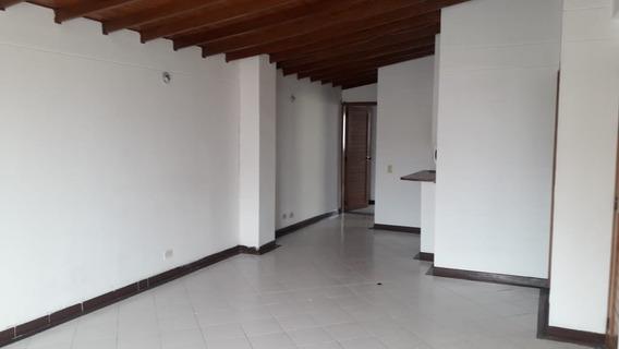 Apartamento En Venta. Laureles, Medellín.