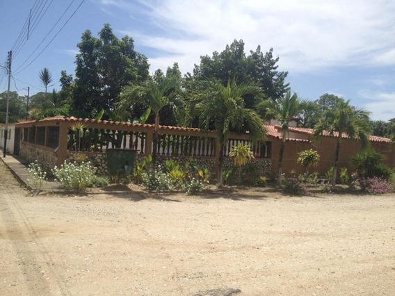 Casa Canales De Rio Chico