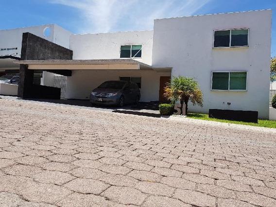 Casa En Condominio Con Alberca En Juriquilla, 4 Recámaras, Precio De Oportunidad!