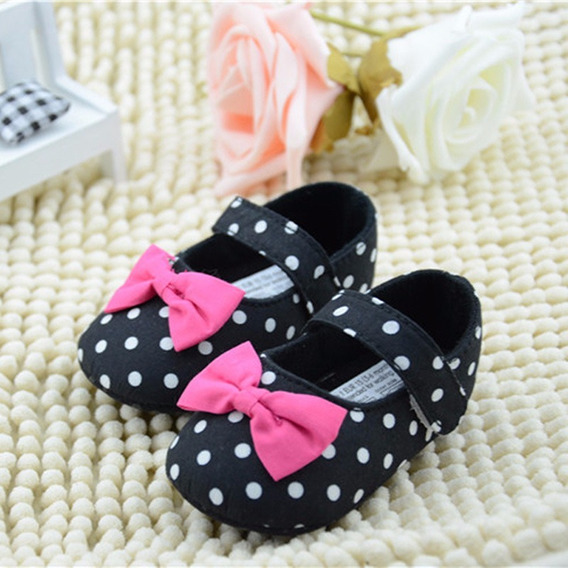 Sapato De Bebê- Preto Poá- Tamanho 18 - De 6 À 9 Meses(12cm)