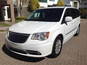 Chrysler Town & Country 3.6 Touring 2014 Único Dueño