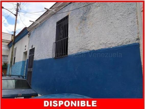 Casas En Venta La Pastora 20-24528 Rah Samanes