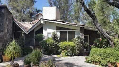 Residencia 1,333 M2 En Fracc. Ecológico Con Casa Club, Alber