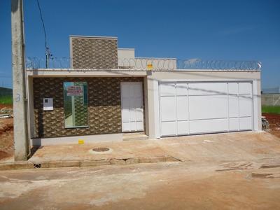Casa Com 2 Quartos, 1 Banheiro, Sala, Cozinha Americana.