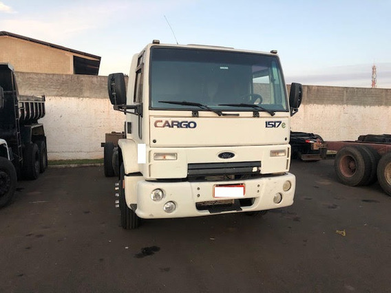 Ford Cargo 1517 2010/2011 Chassis