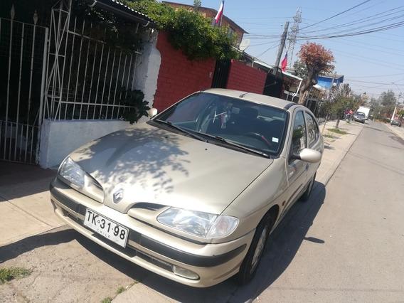 Renault Mega 2.0