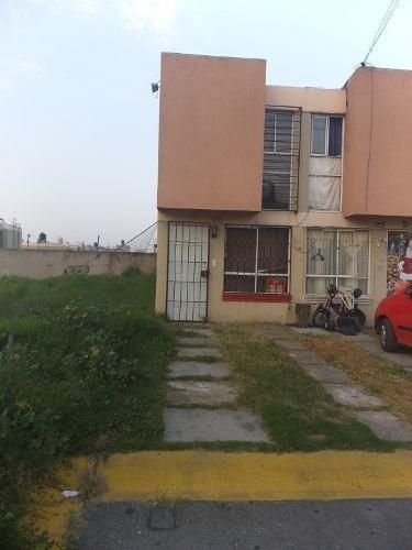 Excelente Oportunidad; Casa En Venta En Privada; Excelente Ubicación En Los Héroes Coacalco Estado