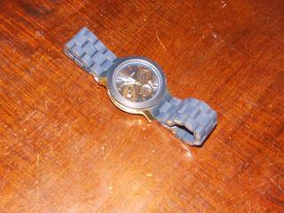 Reloj Michael Kors Pilas Nuevas Cronos No Funcionales