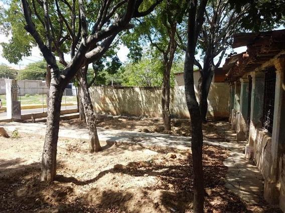 Terreno En Venta Centro De Coro Cod-19-17479 04146954944