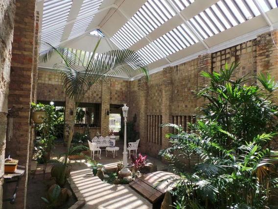 Venta Casa Espaciosa El Castaño Maracay Cod 20-7046 Mc