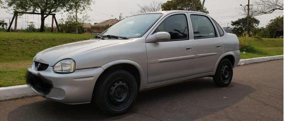 Corsa Classic Sedan - Mileniun Mpfi 1.0 / Cinza / 5 Portas