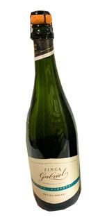 Vino Espumante Finca Gabriel Dulce Champagne X 6 Un