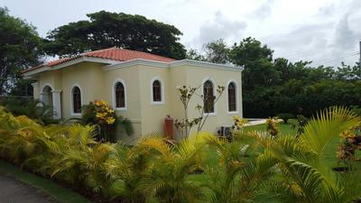 Hermosa Villa Vacacional En Venta En Sosua