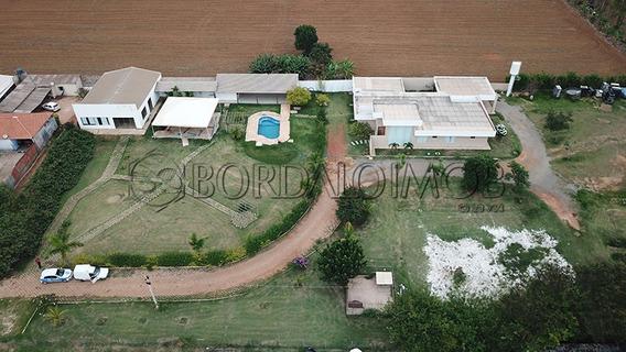 Linda Casa Na Chácara, Com 620m², 3 Quartos, Sendo 2 Suítes, Área De Lazer Completa, Com Um Lindo Haras, Aceita Permuta. - Villa120234