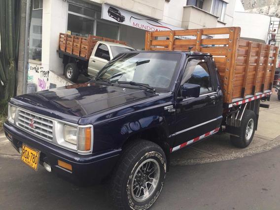 Mitsubishi L200 Estacas 2.400