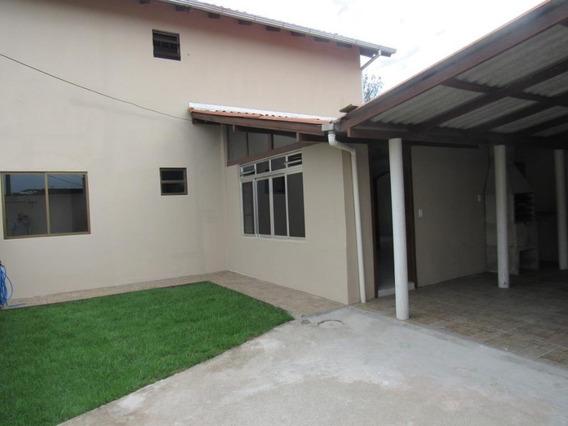 Casa Com Excelente Localização - Ca2033