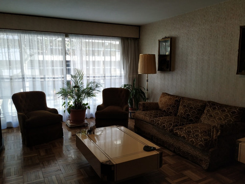 Apartamento De Tres Dormitorios Mas Servicio
