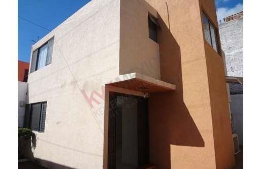 Casa En Los Virreyes Querétaro, Excelente Ubicación