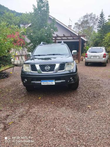 Nissan Frontier 2009 2.5 Le Cab. Dupla 4x4 Aut. 4p