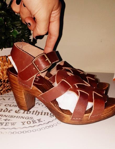 Sandalias De Madera Y Cuero Zara. 36 A Estrenar