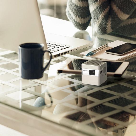 Mini Projetor Innocube Portátil Com Base Dongle Wireless