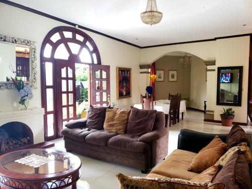 Imagen 1 de 9 de Preciosa Casa 585m2 Ubicada En San Isidro De Heredia