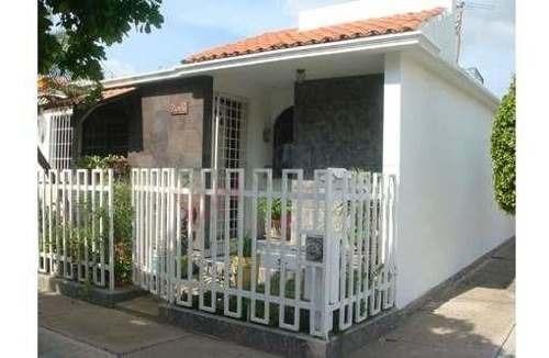 Bonita Casa -en Venta -fracc. Infonavit Solidaridad, Bien Ubicada En Zona Norte.